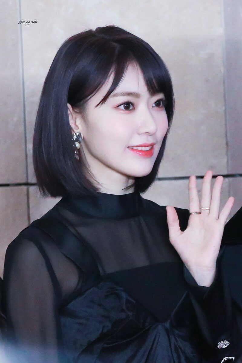 I'll be waiting for your requests🍓. Short Haired Ggroups On Twitter Sakura Izone
