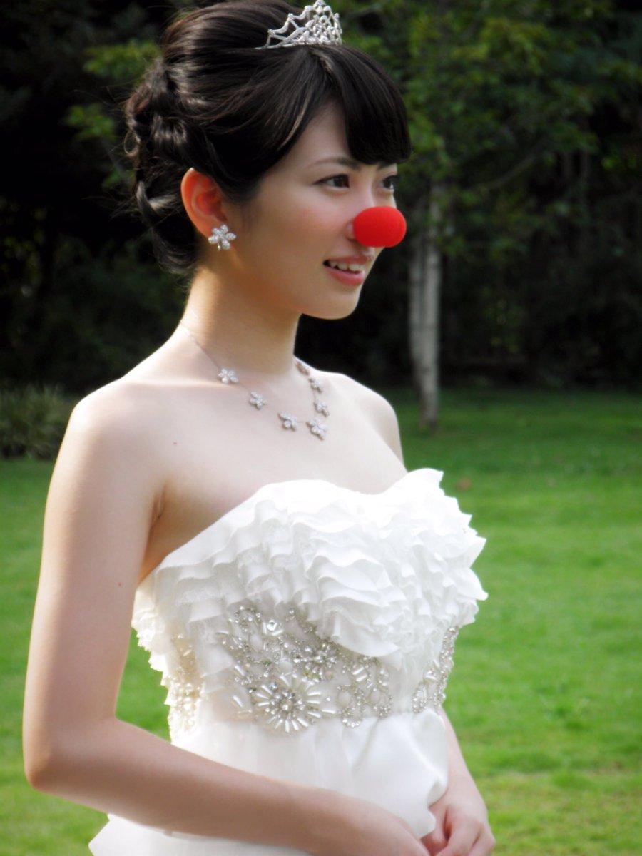 test ツイッターメディア - 志田未来ちゃん(^-^)大好きな未来ちゃんの写真を載せまーす。(^-^)今週は私のお気に入りの写真を載せていま。未来ちゃん映画泣き虫ピエロの結婚式の時の写真です。ウエディングドレス姿すごく綺麗ですね。未来ちゃん大好きです。💋Ꮮᵒᵛᵉ ⃛❥   #志田未来    #泣き虫ピエロの結婚式 https://t.co/Sx4QnJuxS0