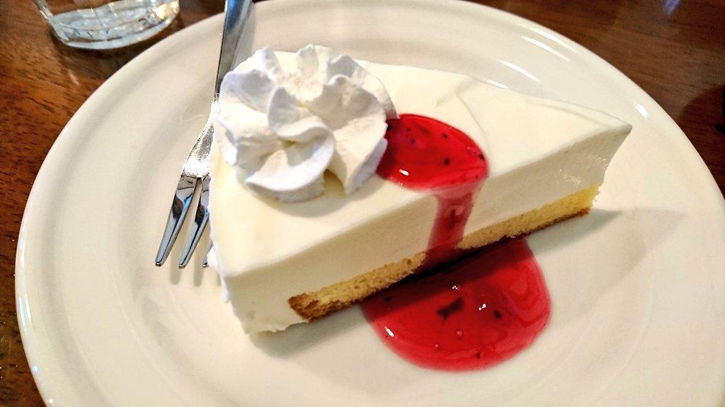 test ツイッターメディア - @mikemike_keiko 小さい頃は、ショートケーキ🍰😆 好きやったけど、 大人になってからは、 ティラミスとか、チーズケーキ、 シフォンケーキとかかなぁ🙄  パパさんと 近所の喫茶店行ってきたよん😙 お写真は、レアチーズケーキ🍰  おじゃる丸に出てくる喫茶店 みたいで、まったり☕ けみゅたんとおちゃしてみたい😳💦 https://t.co/coL3Se2fxO
