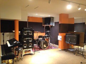 test ツイッターメディア - 【スポンサー紹介】 スタジオフラム 地下鉄鶴舞線 鶴舞駅、JR鶴舞駅近くのスタジオです!気さくなオーナー様とアットホームな雰囲気が魅力的な音楽スタジオ!バンドマンへの各種講座を開いているのも魅力の1つ!アカペラにも理解があり、JPのバンドもたくさんお世話になっています♪ https://t.co/tBwnzDAykB