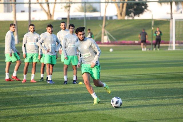 بالصور .. الخضر يواصلون تحضيراتهم للمباراة الودية أمام المنتخب القطري 25