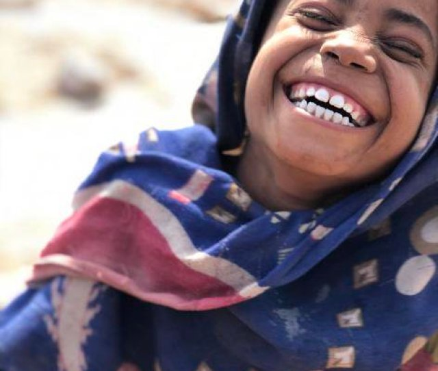 She Now Lives In One Of A Number Of Spontaneous Sites Across The South Of Yemen Pic Twitter Com Wosvxceu