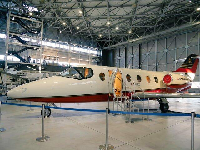 test ツイッターメディア - 愛知県の名古屋空港に隣接する、あいち航空ミュージアムに行って来ました。館内には、何機もの小型ジェット機やヘリコプターなどが展示されていて、まるで航空機の車庫的な感じで広々としていて、ロマンに満ちていました。 https://t.co/nwyqDyW1O0