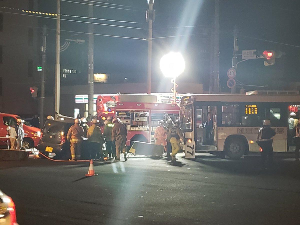 釧路市川上町で軽自動車とバスの衝突事故の現場画像
