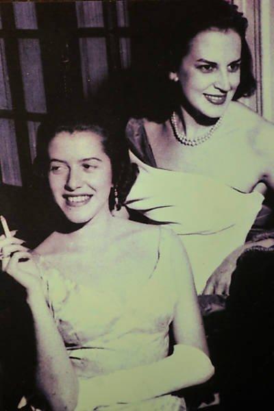 Lygia e Hilda na década de 50.