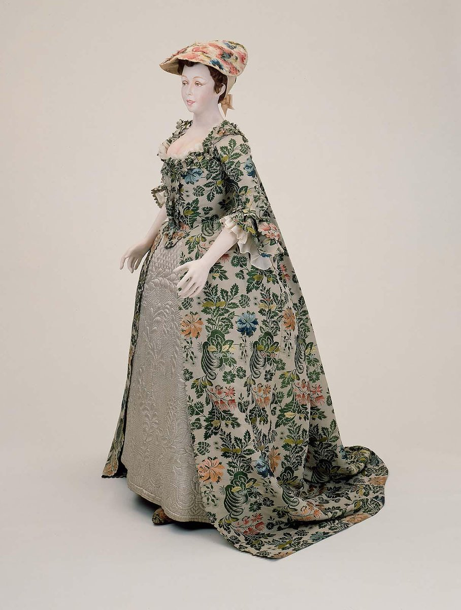 Wedding dress worn by Mary Beck at her marriage to Nathaniel Carter, Newburyport, Massachusetts, September 1, 1742 in Newbury, MA (U.S.A).