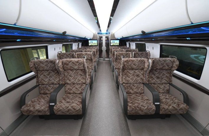 """shen shiwei沈诗伟 on twitter: """"🇨🇳🚄😎😎😎passengers' seats of the world's first 600 km/h high-speed maglev train, which rolls out today at qingdao, china.… https://t.co/em2sd771gd"""""""