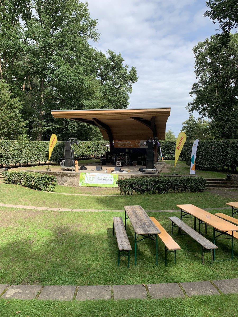 test Twitter Media - Die Aufbauarbeiten sind in vollem Gang, die Sonne ☀️ kommt zum Vorschein - gleich gehts los mit dem #sommerimpark Festival! 🎉🎉 🥳🥳 https://t.co/zMHRWytHSU