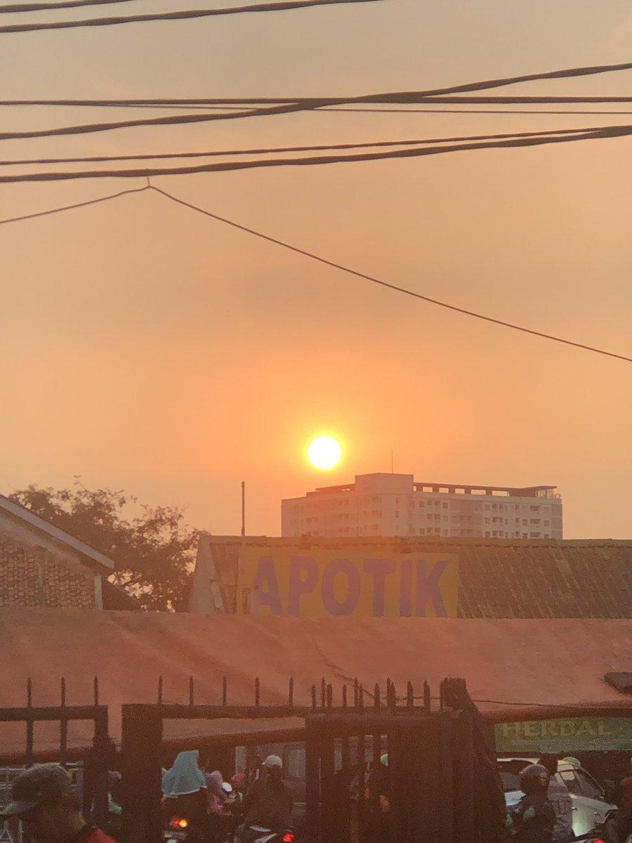 Matahari Terbenam Hari Mulai Malam : matahari, terbenam, mulai, malam, Jakartacctv, Hashtag, Twitter