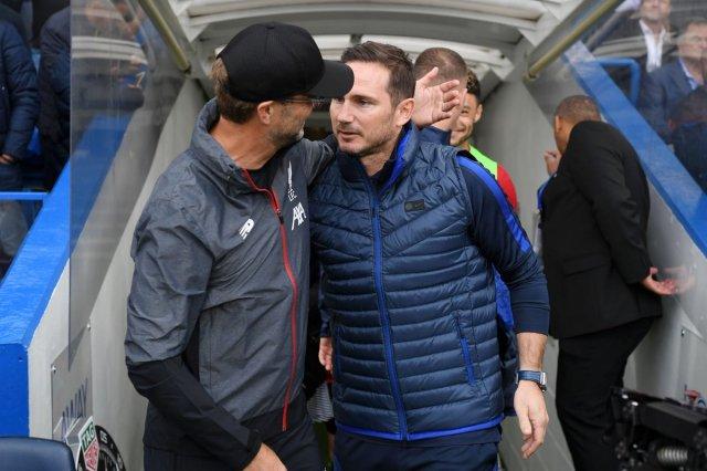 """SportsCenter a Twitter: """"#PREMIERxESPN ¡Cálido saludo! Jürgen Klopp visitó  a Frank Lampard en Stamford Bridge y además de llevarse un gran triunfo,  también contó con un abrazo.… https://t.co/7yLPhRf8id"""""""