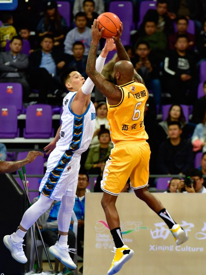 Jeremy Lin has 40 points and 6 rebounds in his debut for Beijing Shougang, yet not enough for his team to overcome Zhejiang in a pre-season game