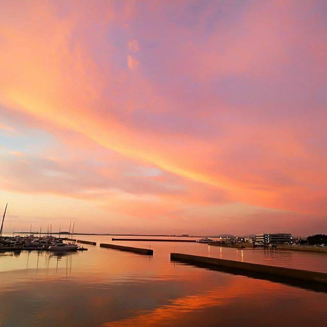 test ツイッターメディア - Sunset in Hakata bay(Fukuoka, Japan) 博多湾の夕焼け  #hakata #bay #sunset #sky #fukuoka #博多湾 #博多 #夕暮れ #空 #福岡旅行 #福岡 #japantrip #japan_focus #japantrip https://t.co/deQ9M13iFM https://t.co/yBS0li2SWl