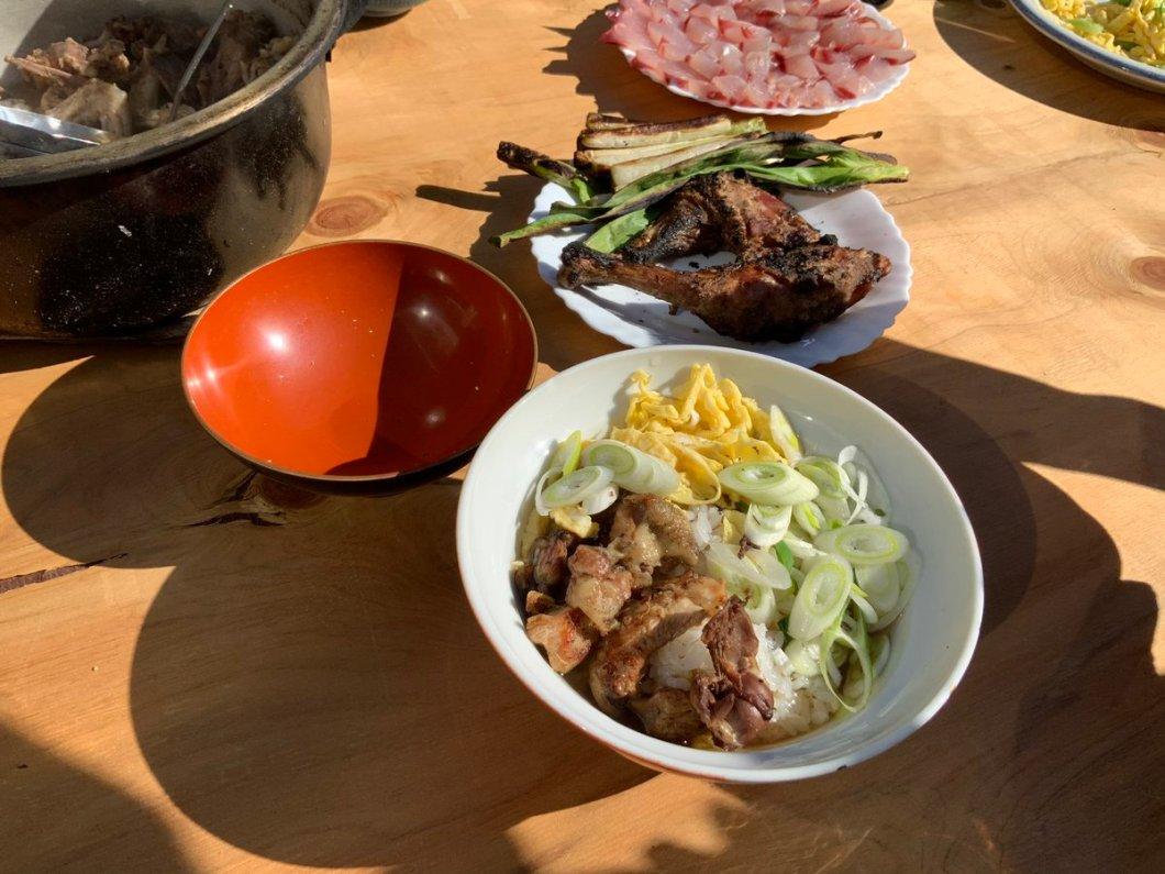 test ツイッターメディア - ここ1週間、鹿児島・熊本旅行しておりました。 来春、庭にニワトリを飼いたいので解体してきました(笑) 夫と共に命を頂く大切さと有り難さをしみじみと感じながら、鹿児島名物の鶏飯として料理し頂きました。 https://t.co/d903EAlXFo