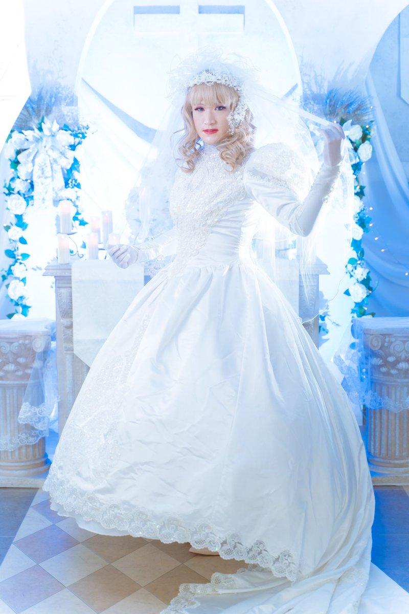 """峰ちひろ on Twitter: """"教会ウエディング写真撮影⛪️ 青い照明と合わせて独特の雰囲気出してみました😄  純白ドレスとのコントラストがお気に入りです! #女装 #ウエディングドレス #プリシラウィッグ #ハコアム大阪… """""""