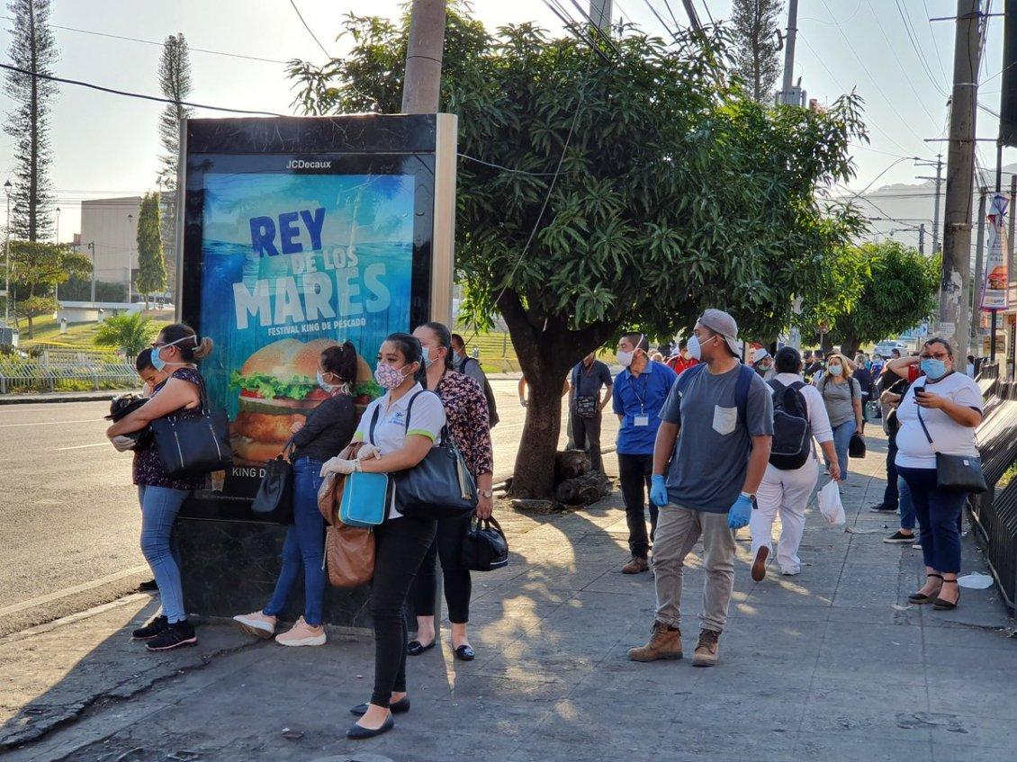 Suben a 225 los casos confirmados de coronavirus en El Salvador