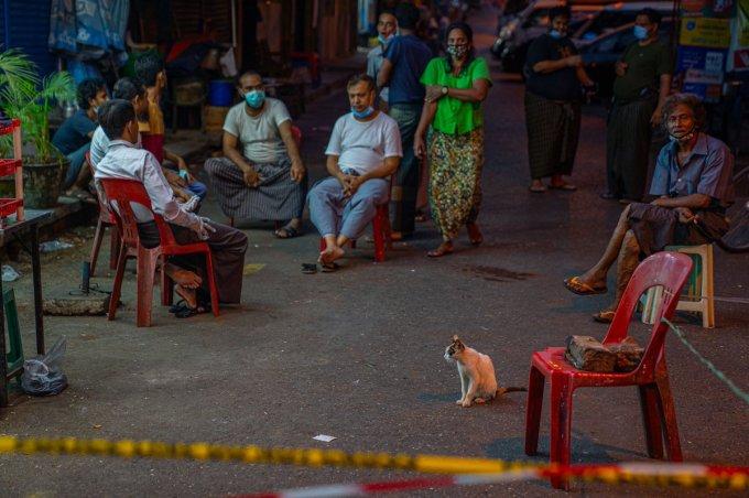 """Cape Diamond on Twitter: """"Community Lockdown in downtown Yangon ..."""