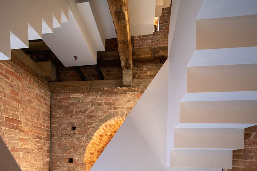 The zigzag tile design was inspired by the steps to peace painted by youth in the syrian town of deir atiyah. Designboom On Twitter Mx13groningen Adds Minimalistic Staircase To Medieval Church Tower In The Netherlands Https T Co Rrfv21cer0