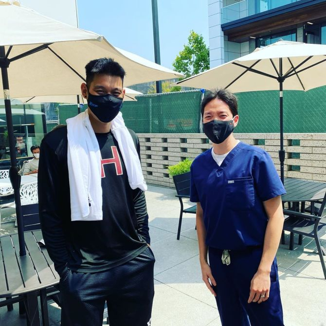 RT @penny10654 gracedentalpaloalto (IG) Palo Alto Proud! Dr. Kwon was ecstatic to meet Jeremy Lin. Thanks Jeremy for your story of perseverance, faith and hope! You are an inspiration! #jlin7 @JLin7