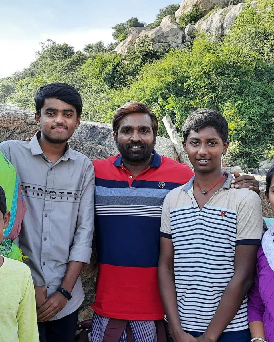 Vijaysethupathi Family : vijaysethupathi, family, 𝐒𝐄𝐓𝐇𝐔ɪꜱᴍ, Twitter:,