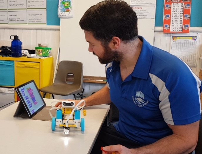 Et3bvroXcAE90WU - Raising Robots - LEGO Education SPIKE Prime, MINDSTORMS, BricQ and WeDo 2.0