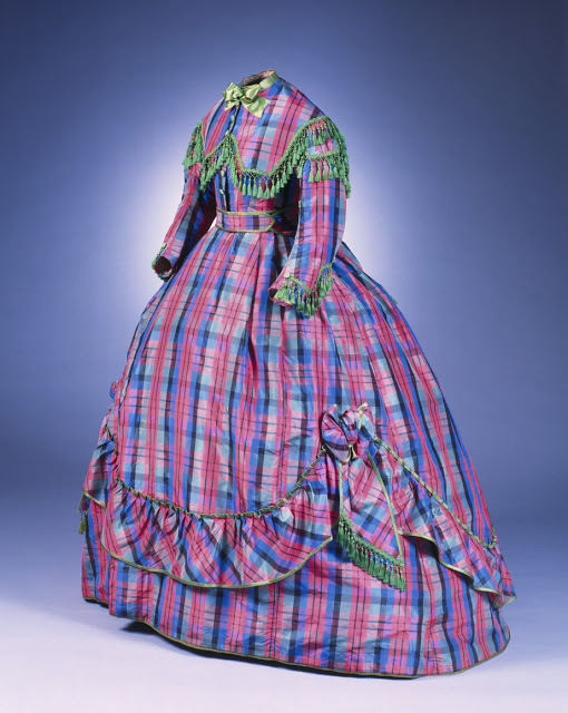 Robe a transformation, ca. 1866 Germany. Museum of Applied Arts, Cologne (Germany) 1866