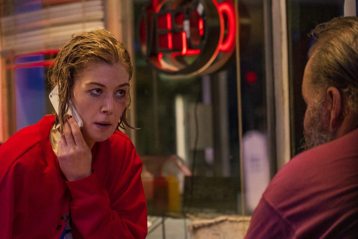 Netflix - I Care a Lot Rosamund Pike
