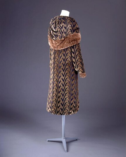 A devore velvet overcoat with fur trimmings from the 20s, V&A