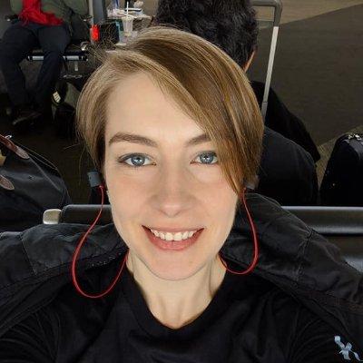 Gwen Frey (@direGoldfish) | Twitter