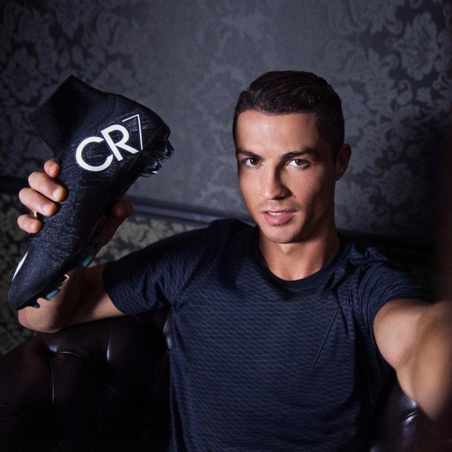 صور اللاعب كريستيانو رونالدو متجدد Cristiano Ronaldo صور حب