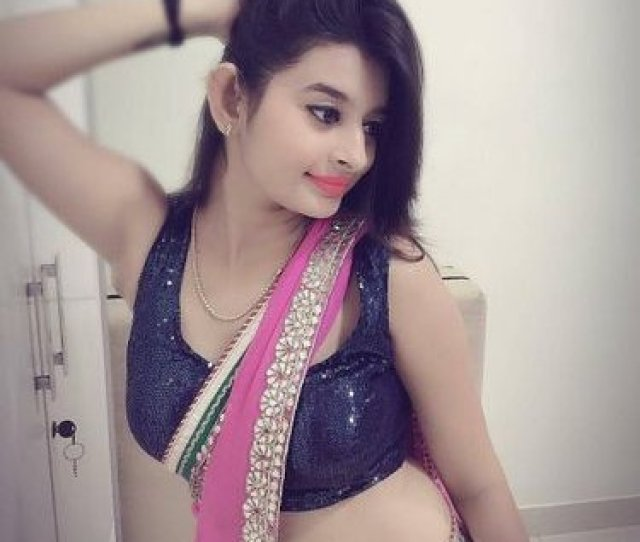 Hot Girls In Saree
