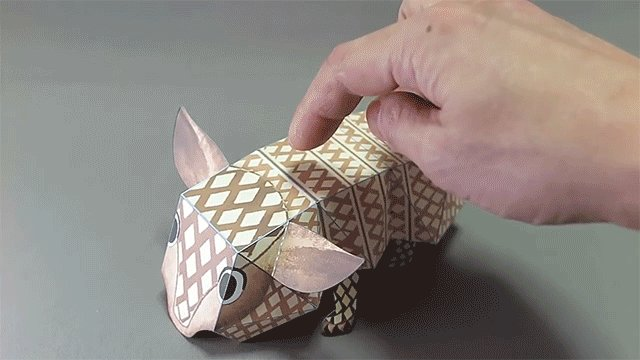 Image for the Tweet beginning: Handmade paper toys by Haruki
