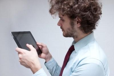 iPad Pro 10.5 用のガラスフィルムが思った以上に…。