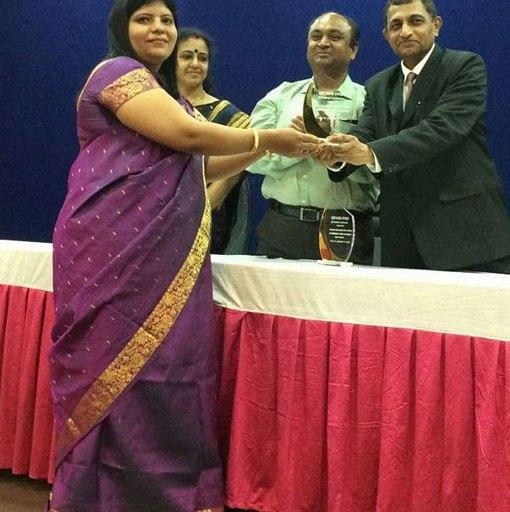 Prof. Kavita Baddi won Best paper Award in National conference