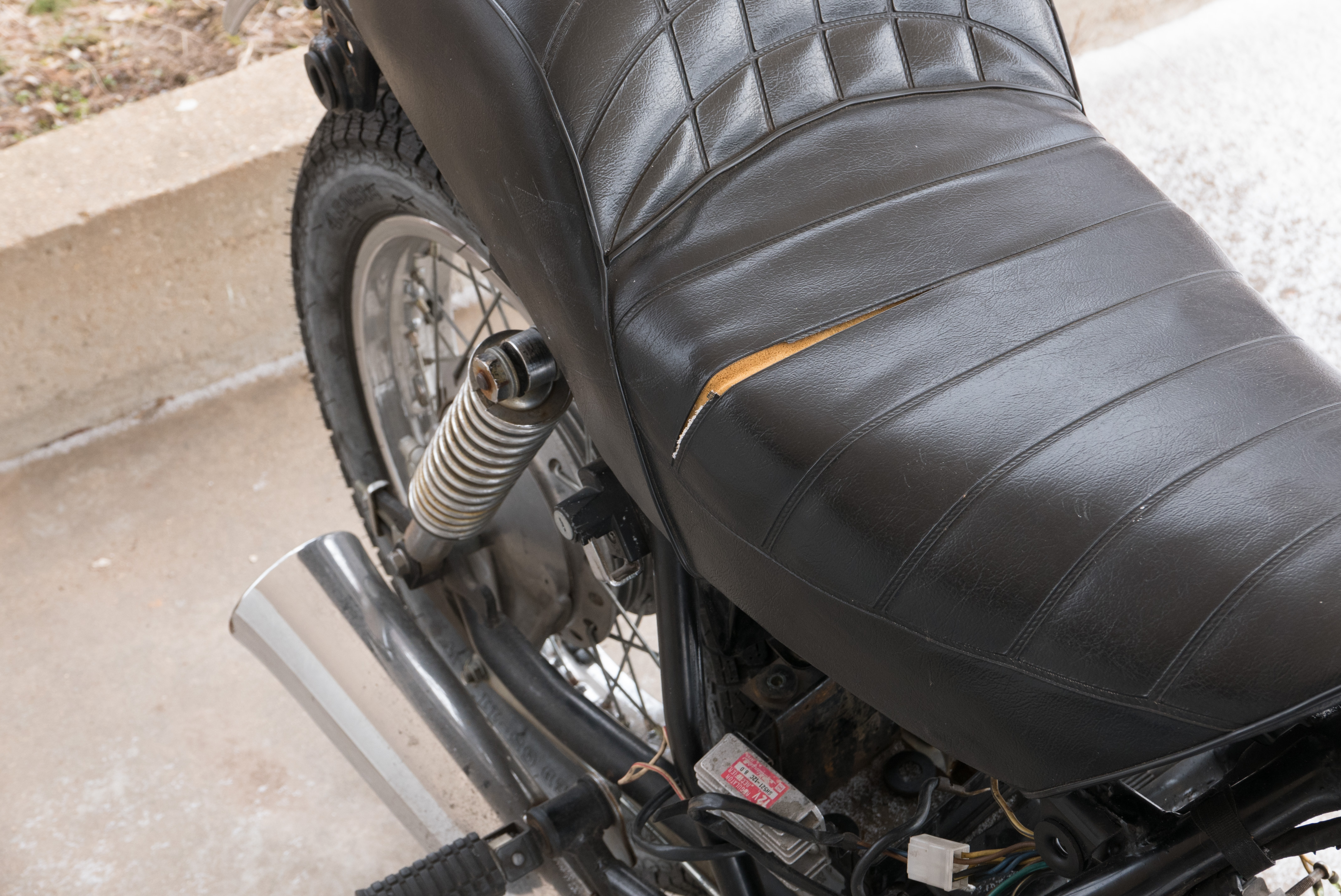 vinyl chair repair kit wood leather office motorcycle seat liquid electrical tape pcb isolation there isn t a whole lot you can do to hide 10 split which is problem for my 83 kawasaki 305 friend had success using fix