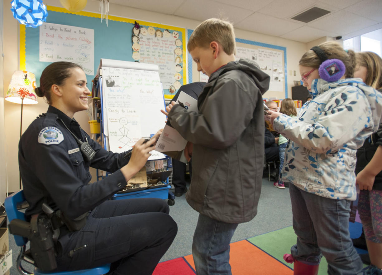 Police Hook Young Readers At Literacy Event