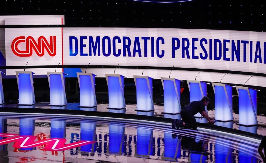 10 democrats set for