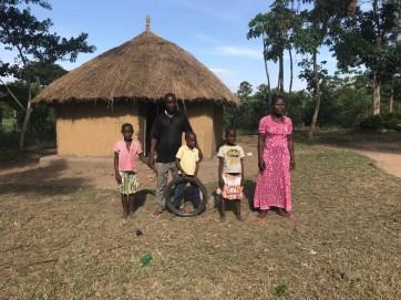 Akulo's family