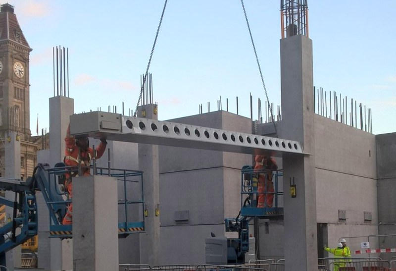 Paradise Circus update 3: first Delta beam installed