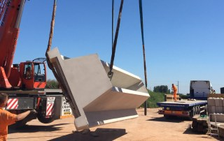 Turning PCEs precast concrete stairways before transpostation_3