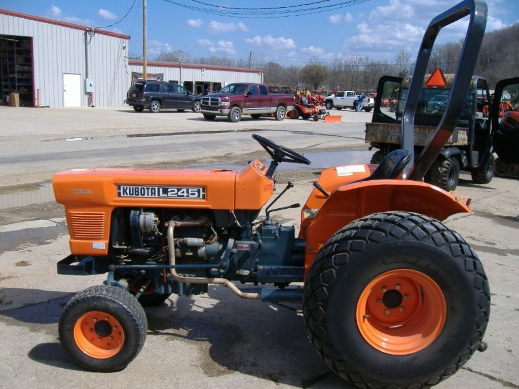 hight resolution of kubota l245 farm tractor kubota farm tractors kubota farm tractors tractorhd mobi