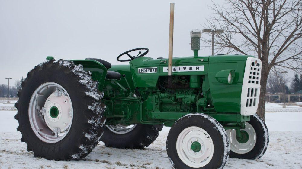 medium resolution of oliver 1365 farm tractor oliver farm tractors oliver farm tractors tractorhd mobi