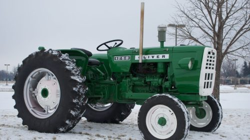 small resolution of oliver 1365 farm tractor oliver farm tractors oliver farm tractors tractorhd mobi
