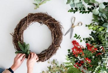 Holiday_Wreath_DIY_07