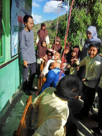 SD Muhammadiyah Bedoyo Pembelajaran bersama Mahasiswa KKN UMJ 2018 07
