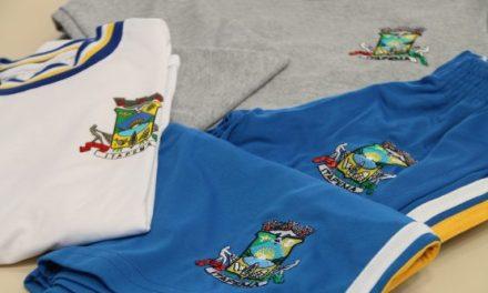 Inicia entrega dos uniformes escolares na Rede Municipal de Ensino