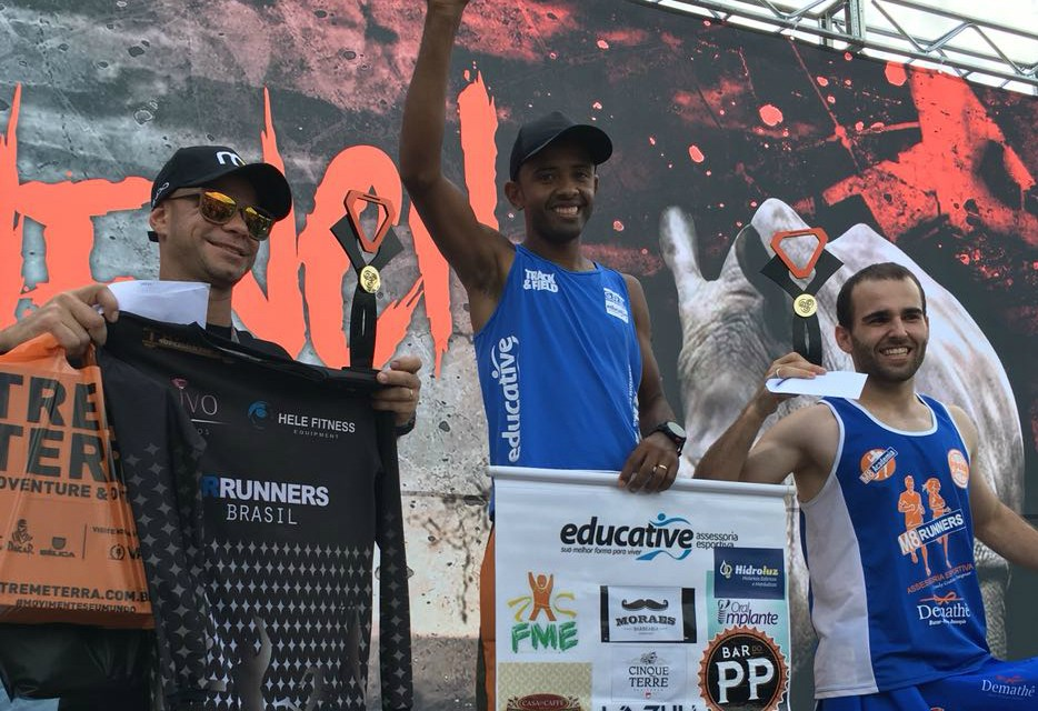 Atleta de Camboriú garante o ouro em corrida de obstáculos