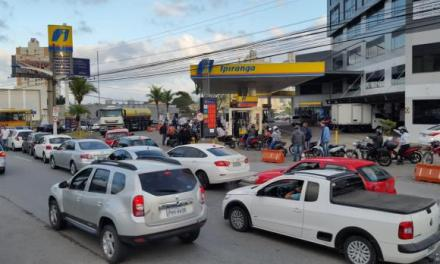 Postos voltam a vender combustíveis em Itajaí