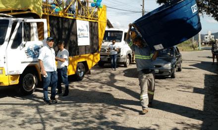 Águas de Camboriú entrega mais 70 caixas d'água em cinco bairros da cidade