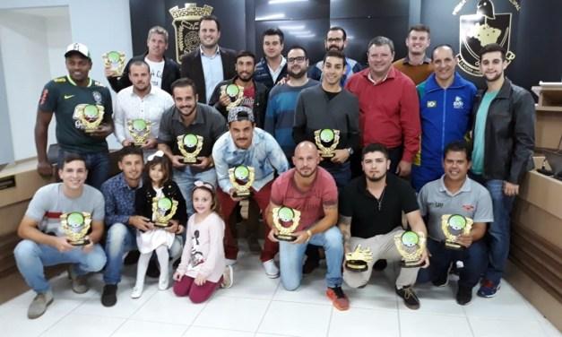 Fundação de Esportes de Camboriú premia destaques do Campeonato de Futebol Amador