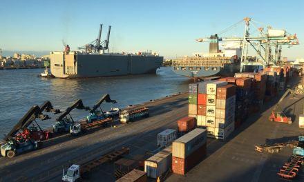 Porto de Itajaí recebe 1,2 mil veículos em mais um teste da montadora General Motors